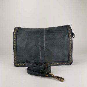 Borsa a tracolla con borchiette