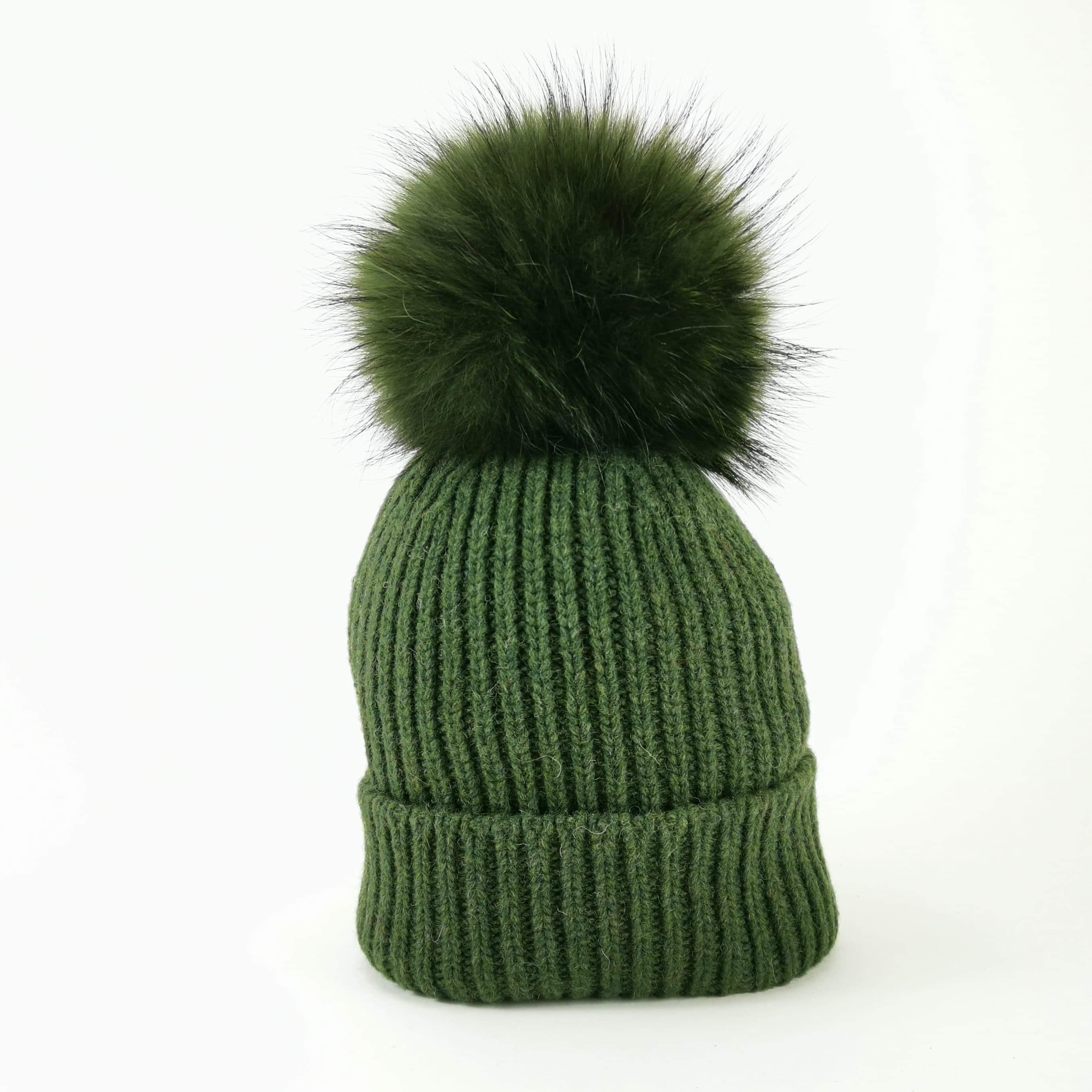 Berretto con ponpon verde